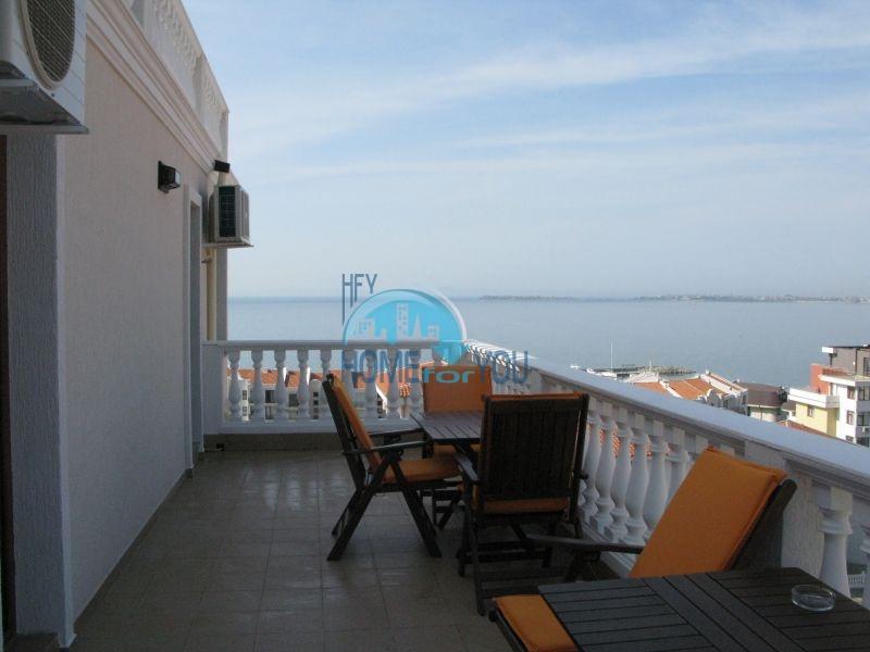 Роскошная четырехкомнатная квартира с видом на море в Святом Власе