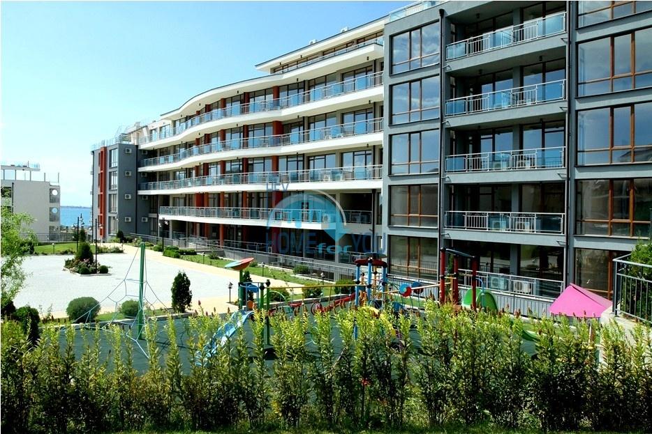 Просторные апартаменты с видом на море и горы в комплексе на первой береговой линии Святого Власа 13