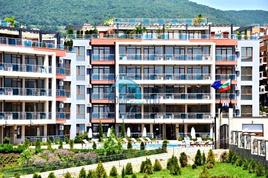 Просторные апартаменты с видом на море и горы в комплексе на первой береговой линии Святого Власа 18