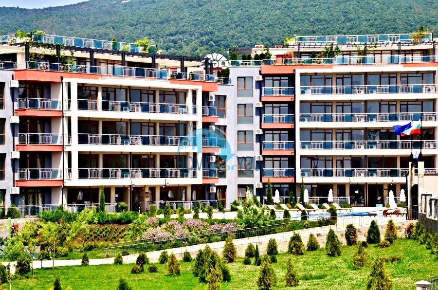 Просторные апартаменты с видом на море и горы в комплексе на первой береговой линии Святого Власа