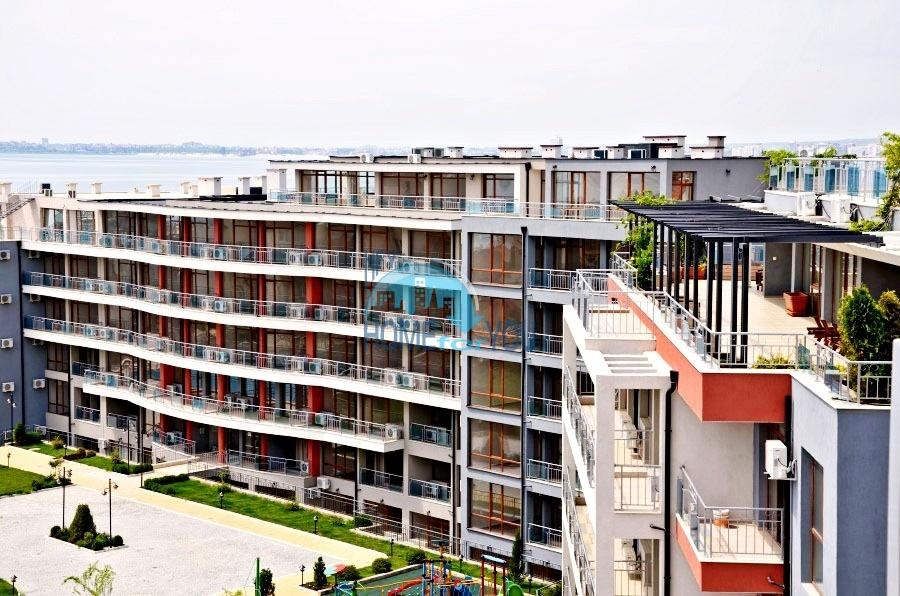 Просторные апартаменты с видом на море и горы в комплексе на первой береговой линии Святого Власа 22