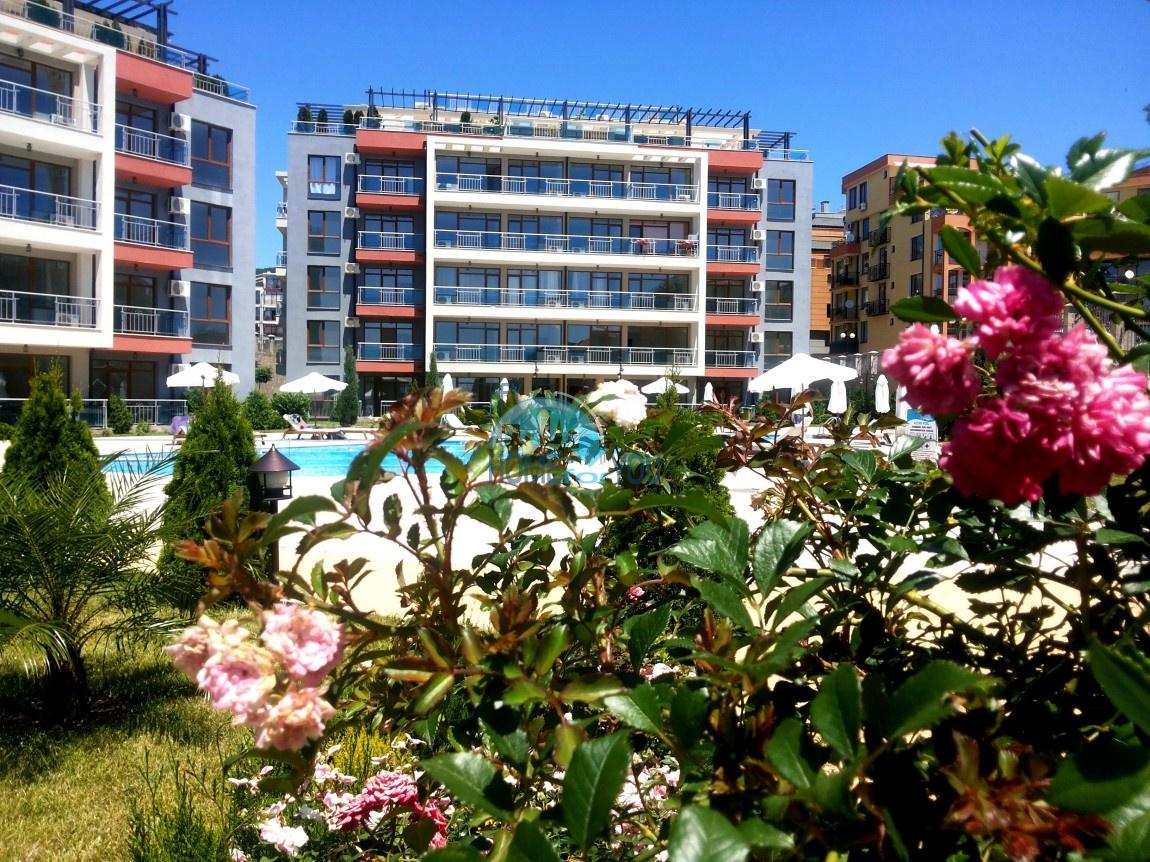 Просторные апартаменты с видом на море и горы в комплексе на первой береговой линии Святого Власа 23