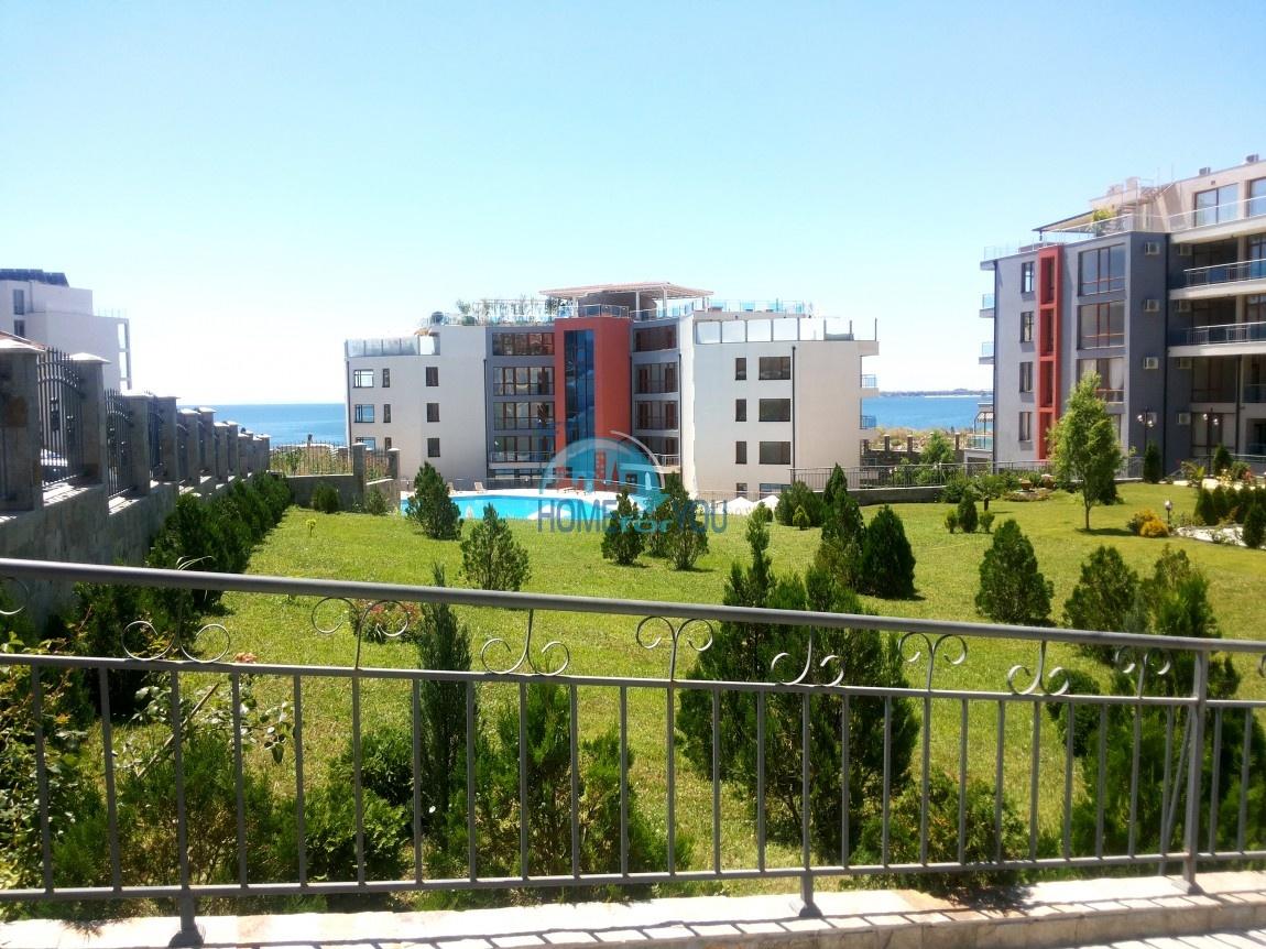 Просторные апартаменты с видом на море и горы в комплексе на первой береговой линии Святого Власа 24