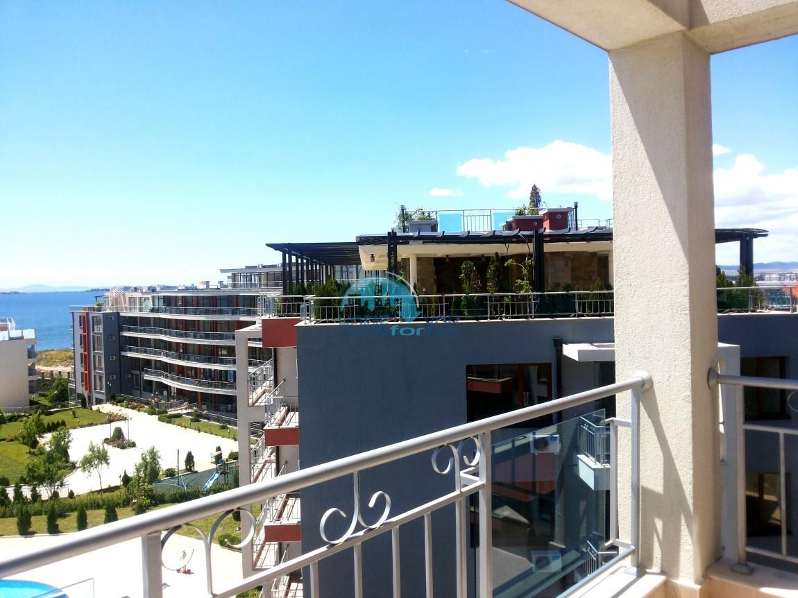 Просторные апартаменты с видом на море и горы в комплексе на первой береговой линии Святого Власа 25