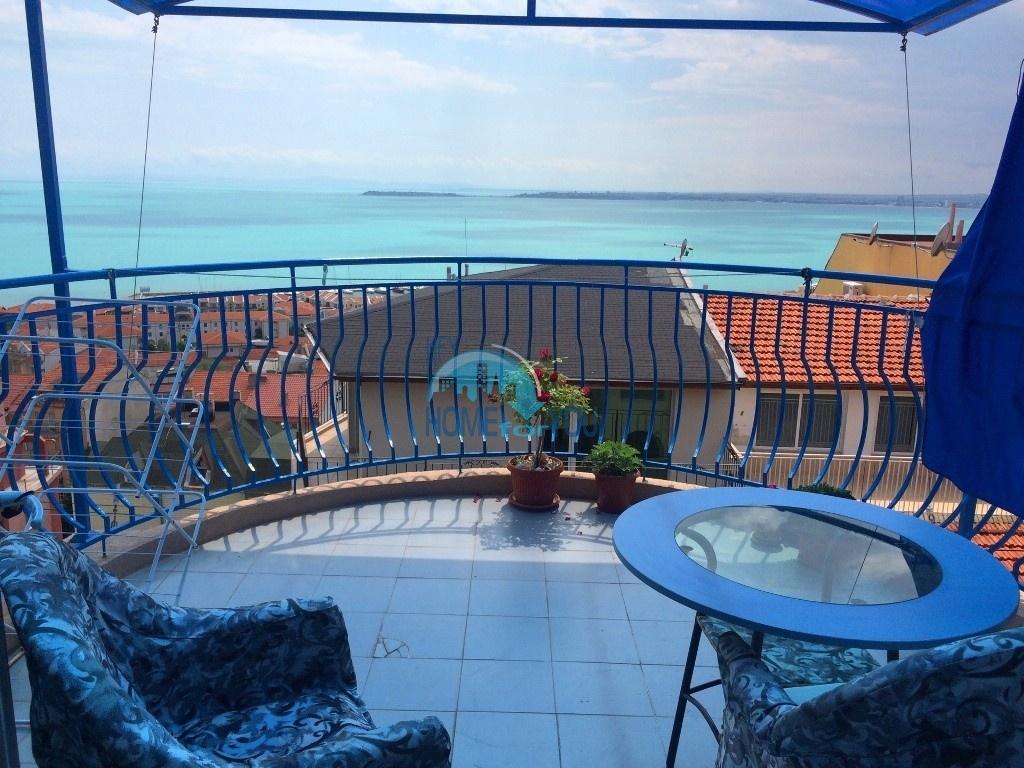 Меблированная трехкомнатная квартира с видом на море в Святом Власе