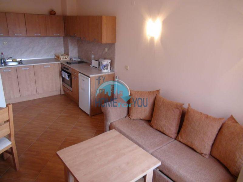 Недорогая квартира с хорошей мебелью в Святом Власе 3