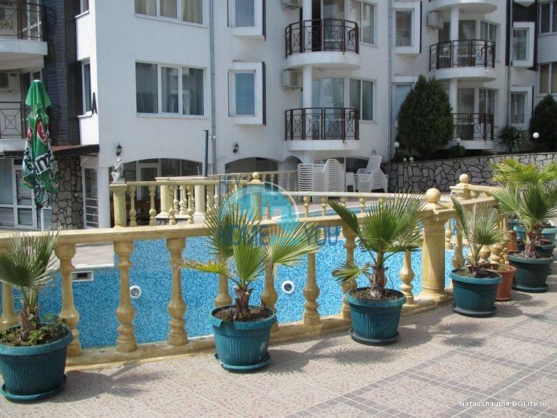 Двухкомнатная квартира у моря в курорте Святой Влас