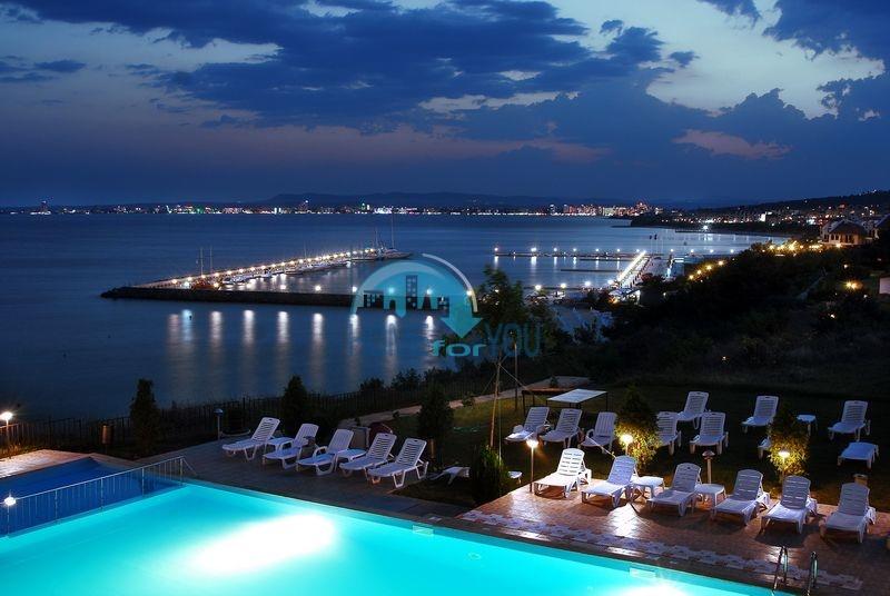 Роскошная четырехкомнатная квартира с видом на море в Святом Власе 13