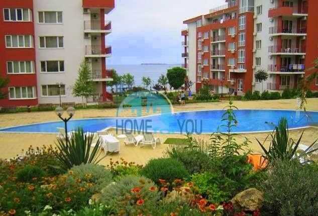 Трехкомнатный меблированный апартамент в комплексе «Marina View Fort Beach» на первой береговой линии