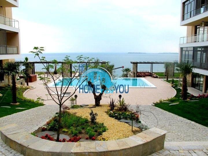 Двухкомнатная квартира с видом на море, первая линия в Святом Власе!