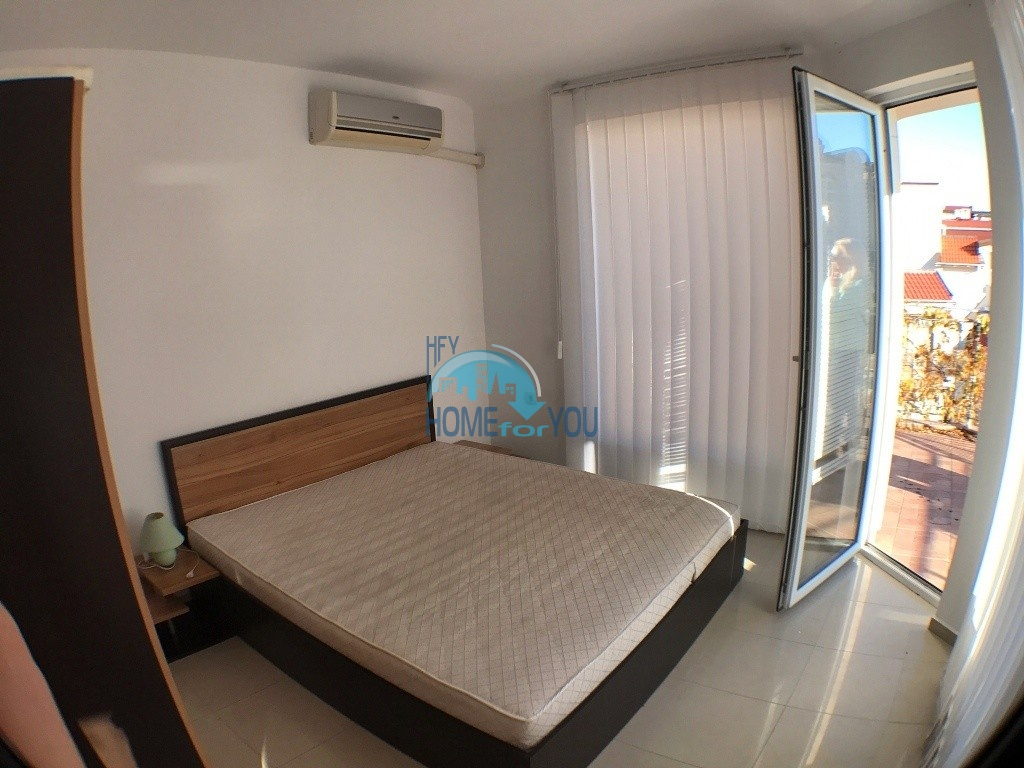 Двухкомнатная квартира с видом на море на курорте Святой Влас 10