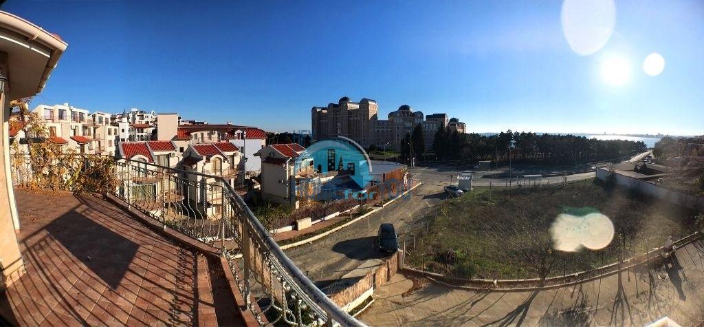 Двухкомнатная квартира с видом на море на курорте Святой Влас 9