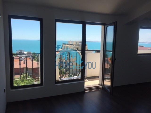 Трехкомнатная квартира в Святом Власе с панорамным видом на море