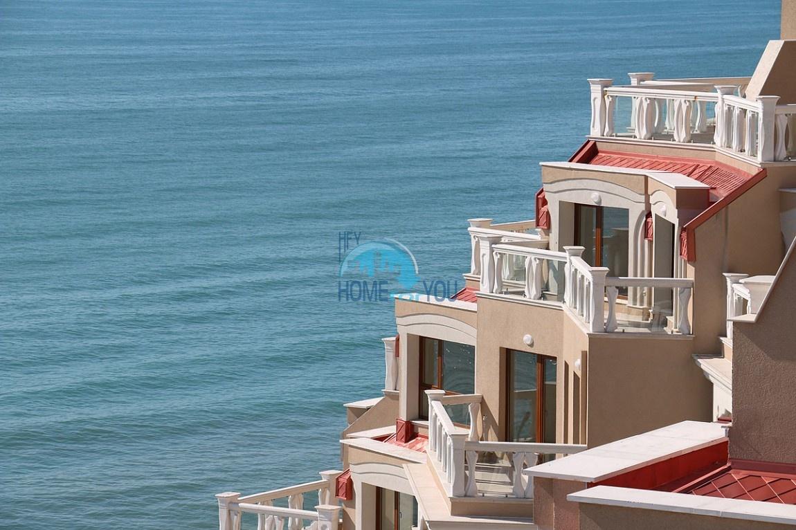 Апартамент с одной спальней на первой линии, с чудесным видом на море в Варне