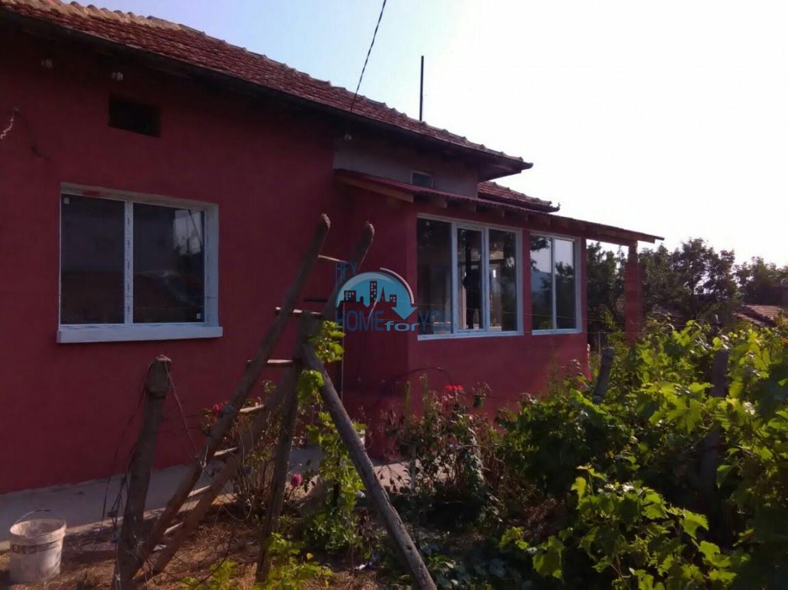 Небольшой одноэтажный дом рядом с озером Цонево в Аспарухово
