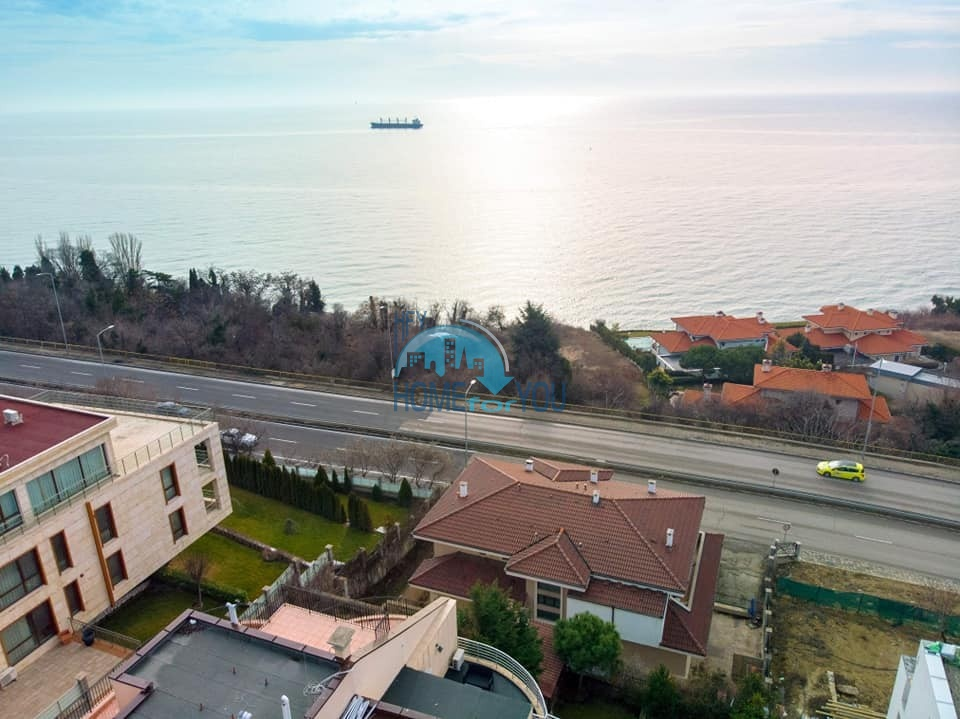 Люкс. Четырехкомнатная шикарная квартира с видом на море в Варне