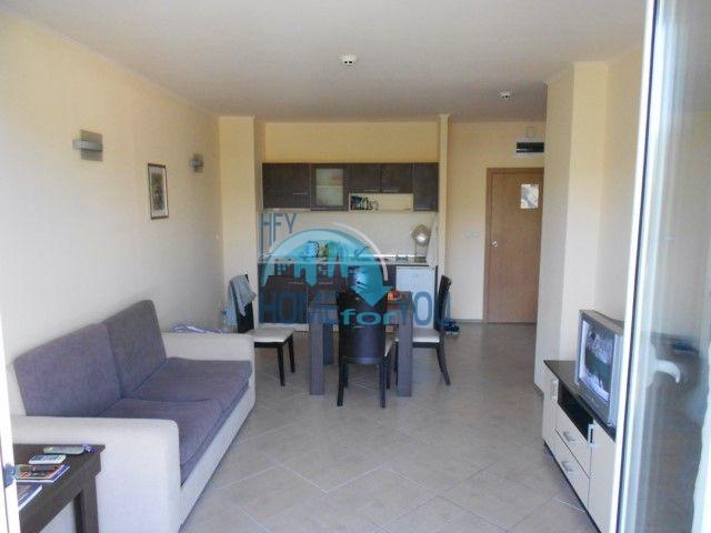 Отличная двухкомнатная квартира у моря в Золотых Песках 11