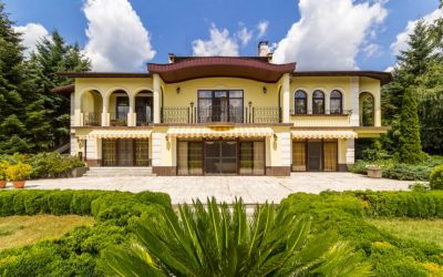 Роскошный трехэтажный дом у озера Сопот