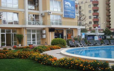 Солнечный берег, доступные квартиры в самом центре курорта в комплексе