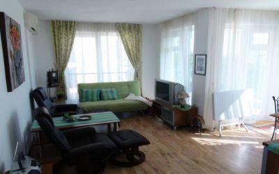 Прекрасная трехкомнатная квартира в комплексе в Сарафово