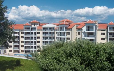 Большая, дешевая студия в комплексе Вилла София на Солнечном берегу