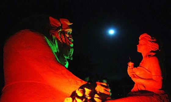 В болгарском Бургасе открылся фестиваль песчаных скульптур